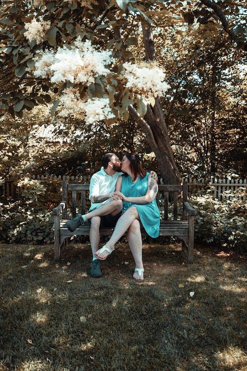 คลังภาพถ่ายฟรี ของ การจูบ, คนกำลังจูบกัน, ความรัก, คู่