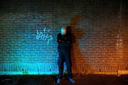 嘻哈, 晚上, 牆壁, 紅磚 的 免费素材照片