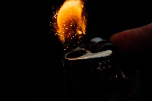 Darmowe zdjęcie z galerii z ciemny, ciepło, gorąco, iskra