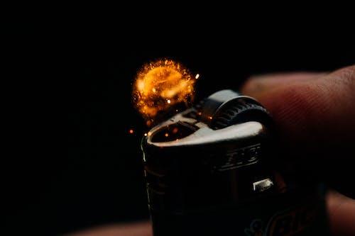 Foto d'estoc gratuïta de encenedor, espurnes, flama, foc