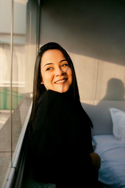Gratis lagerfoto af afslappet, ansigtsudtryk, asiatisk kvinde, asiatisk person