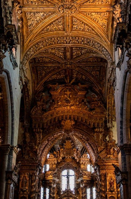 Fotografia Arquitetônica Do Interior De Um Edifício Medieval