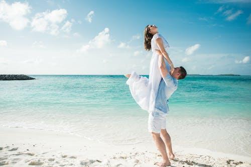 Fotobanka sbezplatnými fotkami na tému biely piesok, byť spolu, cestovať, denné svetlo