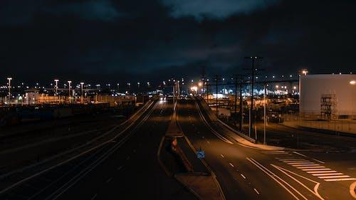 기차 야드, 밤 조명, 밤의 도시, 야간 거리의 무료 스톡 사진