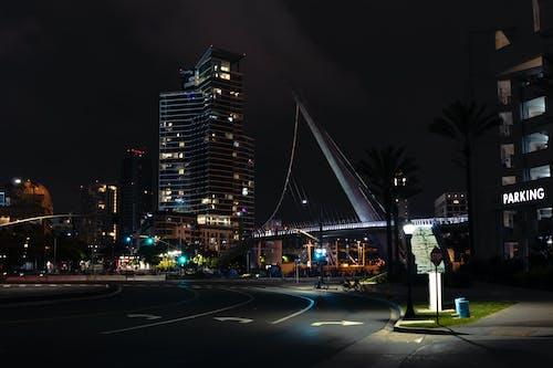 다리, 도시, 밤 조명, 밤의 도시의 무료 스톡 사진