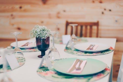 나무 벽, 다이너, 점심 식사, 접시의 무료 스톡 사진