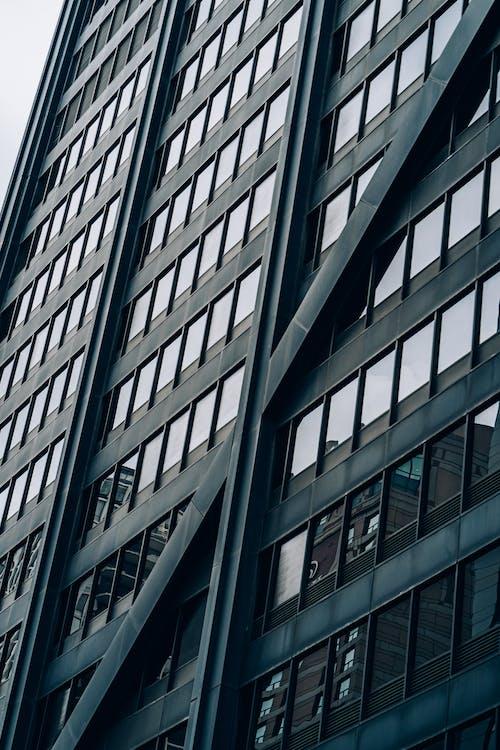 Gratis stockfoto met architectuur, bedrijf, binnenstad, eigentijds