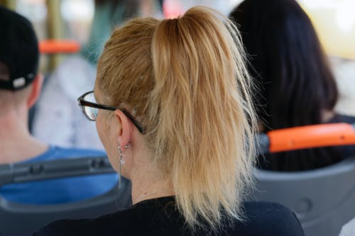 Безкоштовне стокове фото на тему «блондинка, великий план, волосина, вуха»