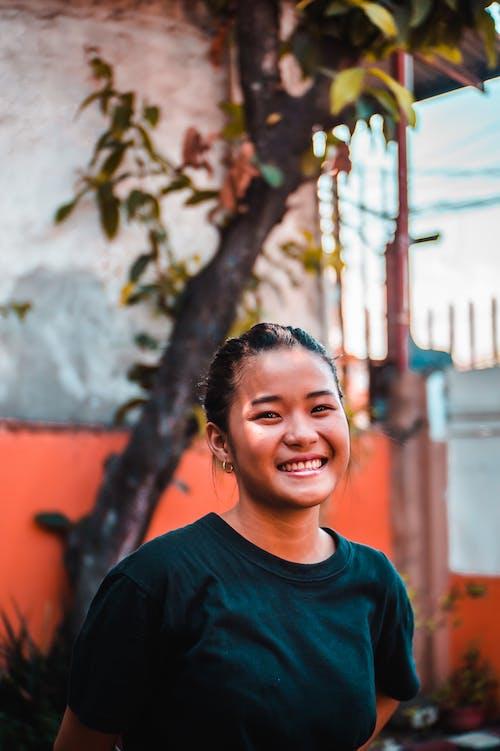 Ilmainen kuvapankkikuva tunnisteilla aasialainen nainen, brunette, hymyily, ilme