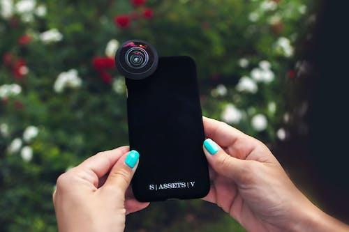 Foto stok gratis handphone, hp, memegang, ponsel pintar