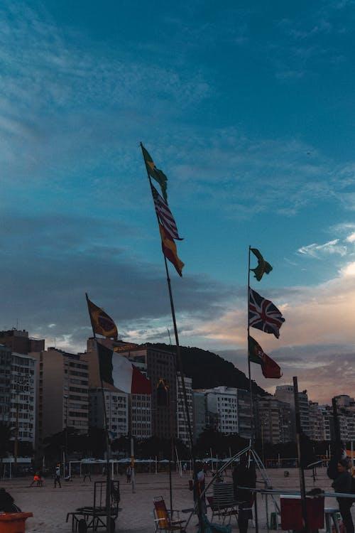 Immagine gratuita di bandeiras, céu, cidade, sfondo