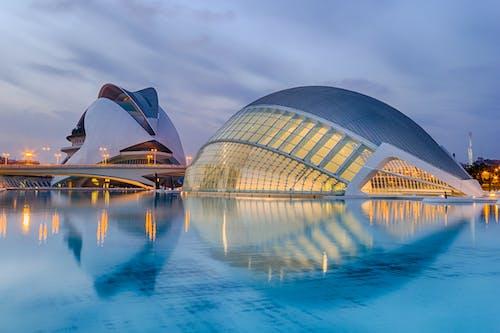 Foto profissional grátis de água, arquitetura, cidade das artes e das ciências, construção