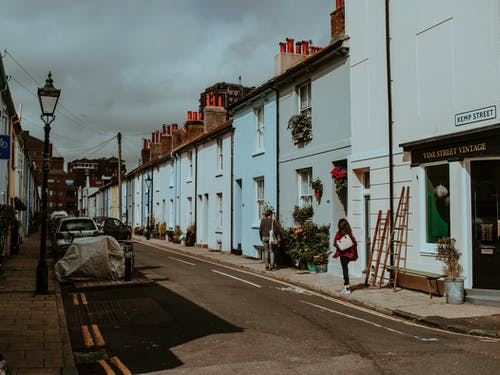 Kostenloses Stock Foto zu architektur, autos, brighton großbritannien, bürgersteig