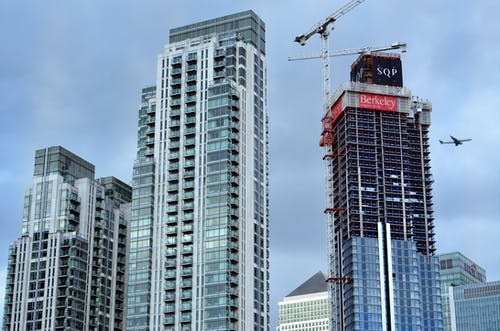 Безкоштовне стокове фото на тему «архітектура, багатоповерхова будівля, бетон, будівельний майданчик»