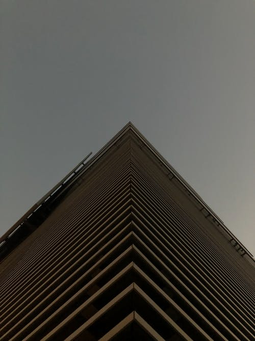 Kostenloses Stock Foto zu architektur, architekturdesign, aufnahme von unten, froschperspektive