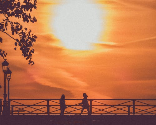 silouhettes, ブリッジ, レディ, 日の出の無料の写真素材
