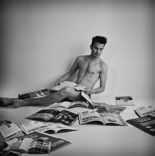 Fotobanka sbezplatnými fotkami na tému časopis, chaotický, čiernobiely, čierny abiely