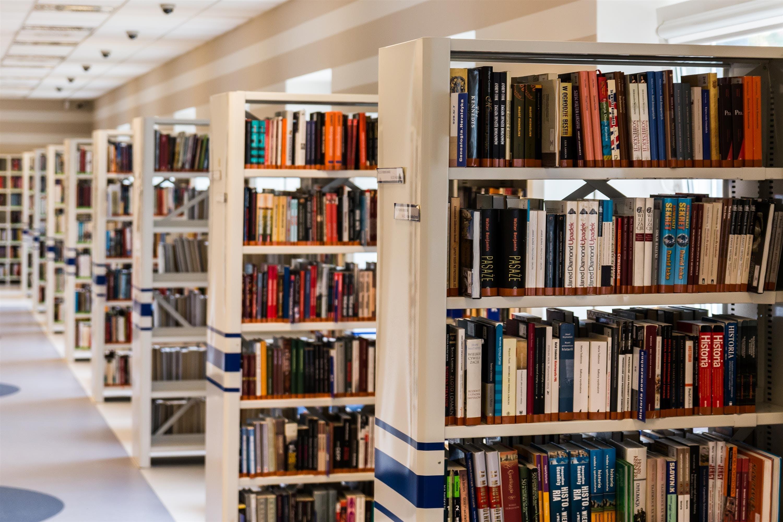 Kostnadsfri bild av bibliotek, böcker, bokhandel, bokhylla