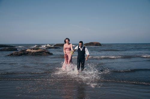 Ảnh lưu trữ miễn phí về biển, bờ biển, cặp vợ chồng, cùng với nhau