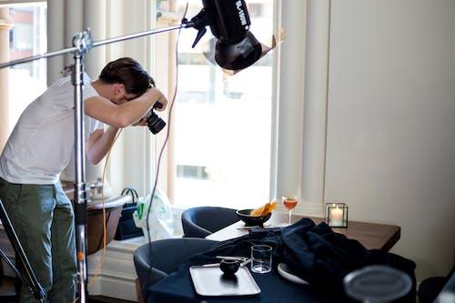 Základová fotografie zdarma na téma dospělý, filmové fotografie, fotoaparát, fotograf