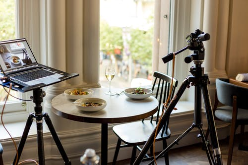 Kostenloses Stock Foto zu analogon, drinnen, essen, fenster