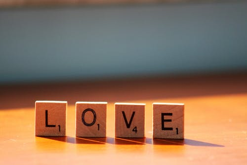 abc, ahşap, Aşk, bulanıklık içeren Ücretsiz stok fotoğraf