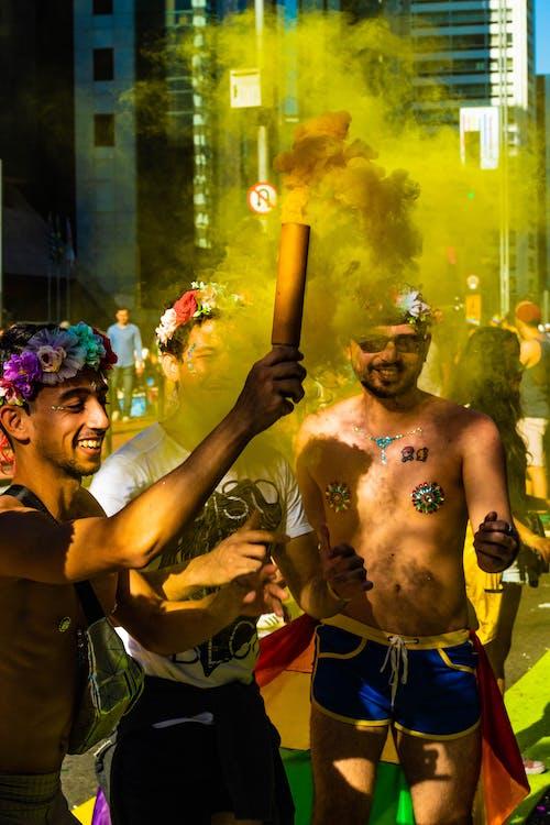 Foto profissional grátis de amontoado, ao ar livre, brilhante, celebração