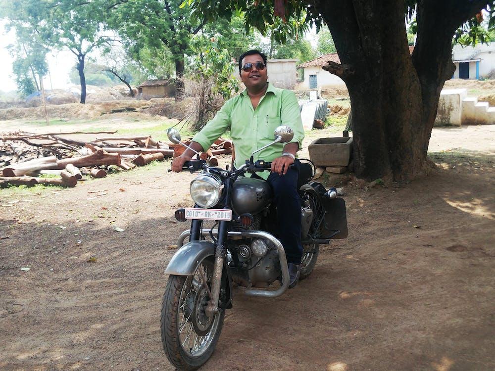 jezdec na kole, jízda na kole, motorka