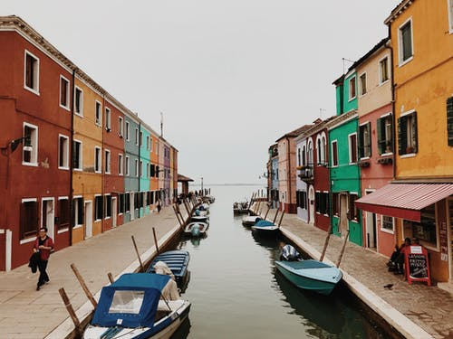 Free stock photo of boats, canal, colorful building