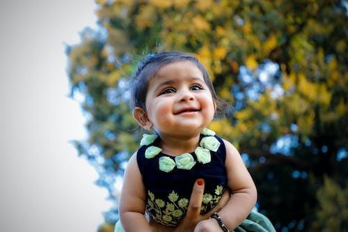 Gratis stockfoto met aanbiddelijk, baby, blij, blijdschap