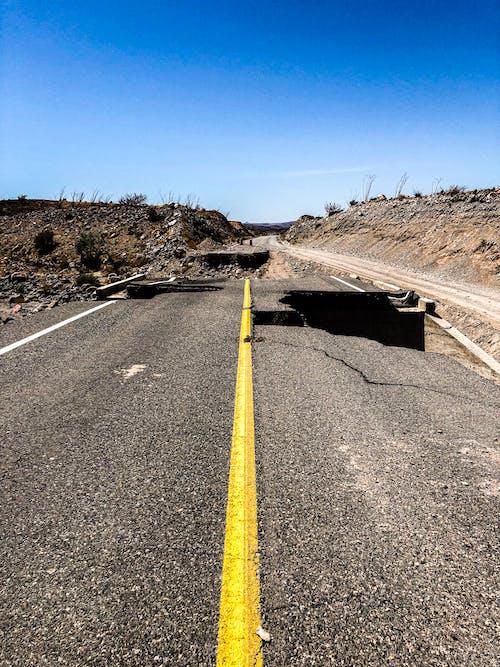 Gratis lagerfoto af asfalt, hakket, rejse, vej