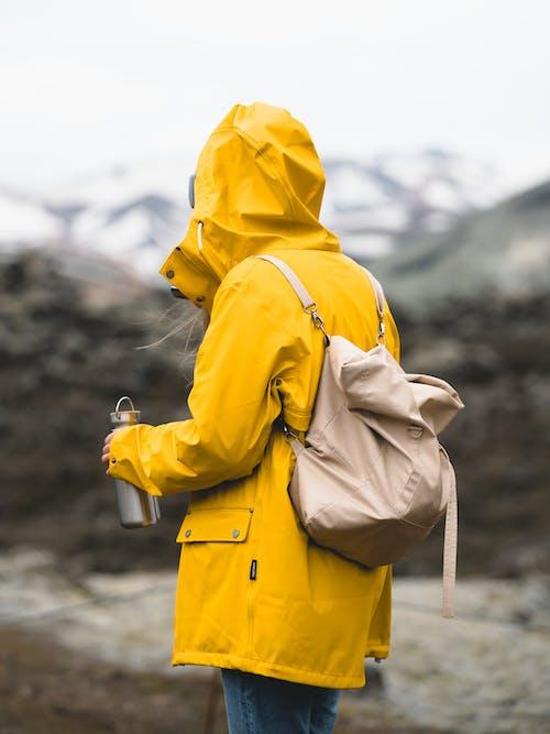 Бесплатное стоковое фото с исландия, куртка, одежда, плащ