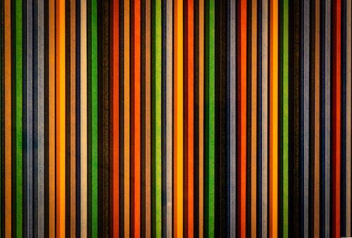 Gratis arkivbilde med bakgrunn, fargerik, striper, vegg