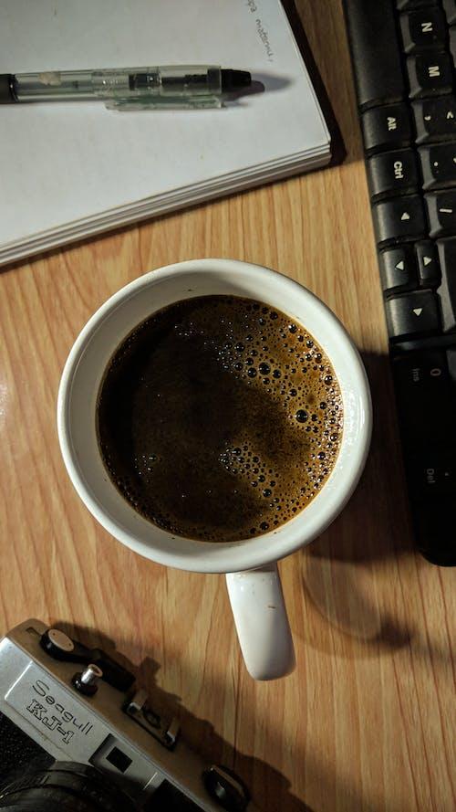 Fotobanka sbezplatnými fotkami na tému čierna káva, káva, PC, pracovný
