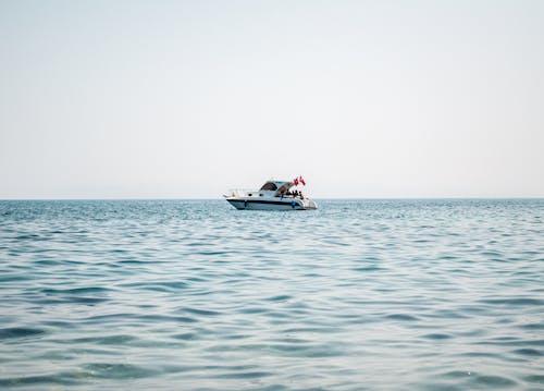 Δωρεάν στοκ φωτογραφιών με βάρκα, γιοτ, θαλαμηγός, θάλασσα