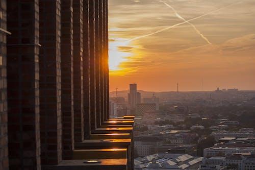 Darmowe zdjęcie z galerii z architektura, atmosferyczny, budynki, drapacz chmur