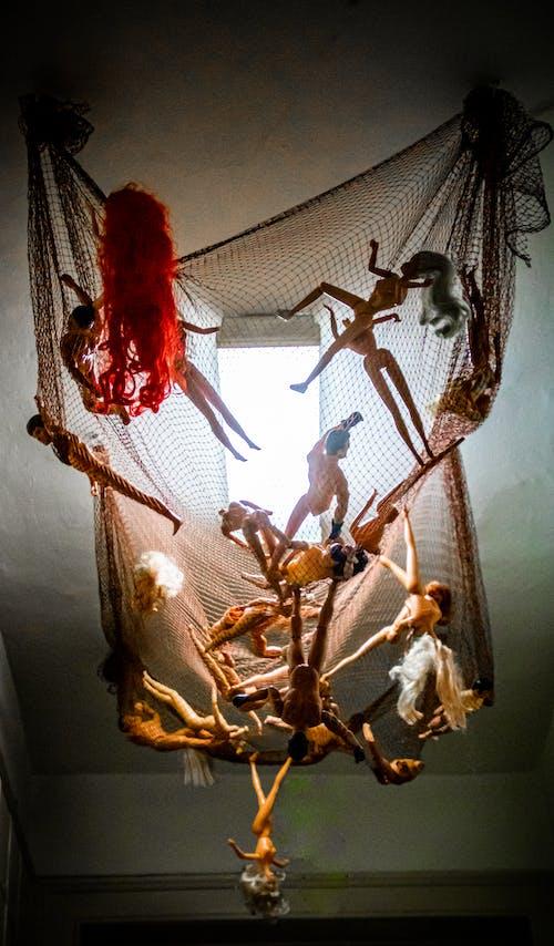 Ilmainen kuvapankkikuva tunnisteilla lelut, nuket, riippuminen, verkko
