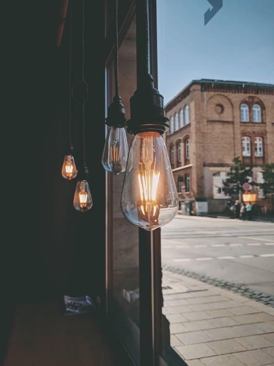 elektromosság, fények, izzók