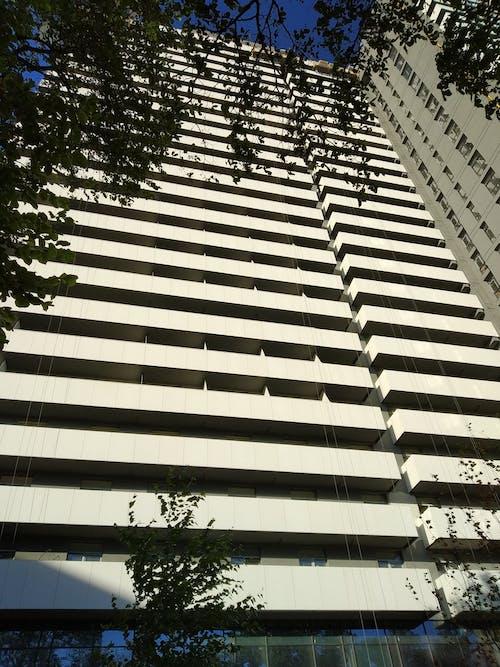 Gratis stockfoto met blauwe lucht, gebouw, wit, zomer