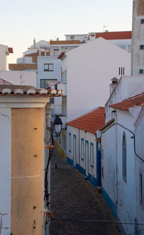 거리, 건물, 골목, 마을의 무료 스톡 사진