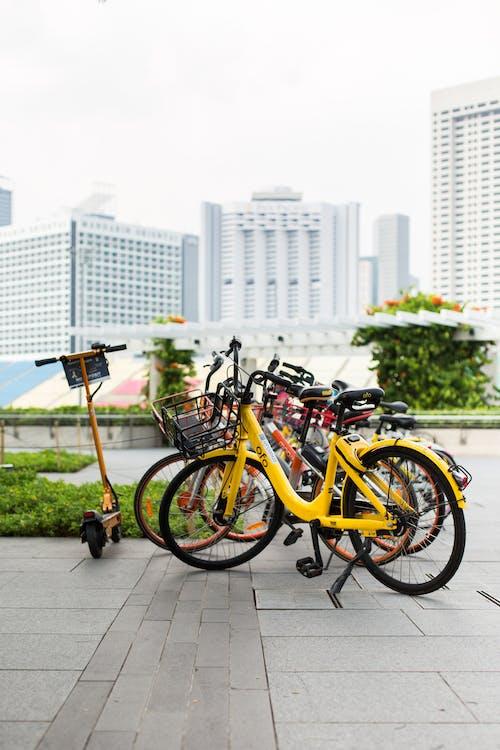 Foto profissional grátis de bicicletas, cidade