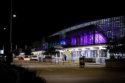 Foto profissional grátis de aeroporto, arquitetura, arquitetura contemporânea, chegadas