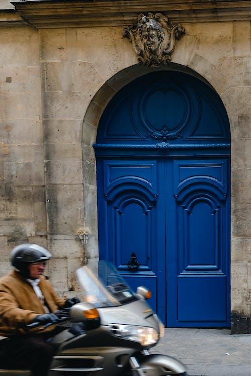 Kostenloses Stock Foto zu architektur, motobike, paris, tür