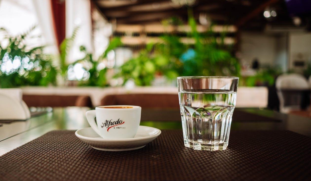 bekers, café, cafeïne