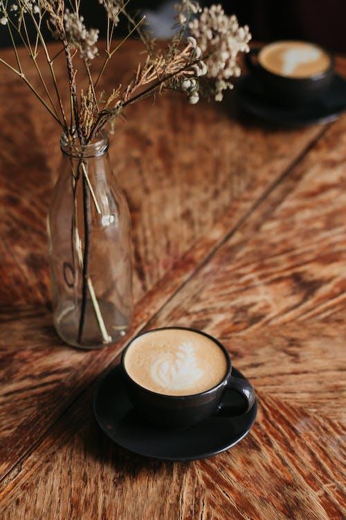 Fotobanka sbezplatnými fotkami na tému cappuccino, káva, kofeín, mlieko