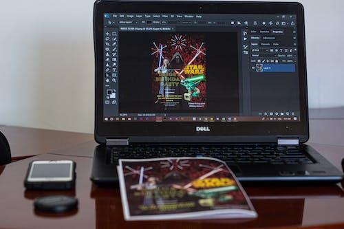 Kostenloses Stock Foto zu arbeitsplatz, bildschirm, computer, display