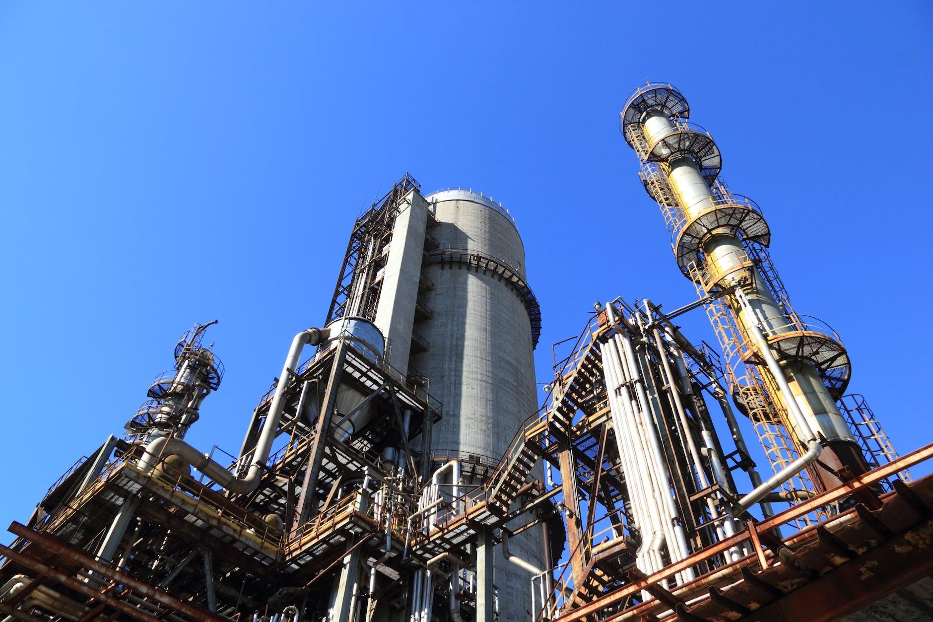 Declaración de operaciones en fábricas y depósitos fiscales de hidrocarburos.