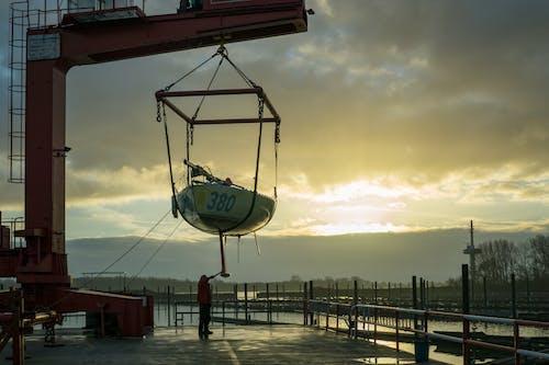 Δωρεάν στοκ φωτογραφιών με ακτή, αποβάθρα, αυγή, βάρκα
