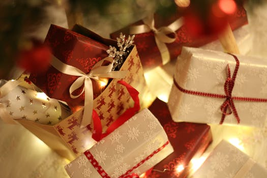 1000 beautiful christmas gifts photos pexels free stock photos close up of christmas decorations negle Gallery