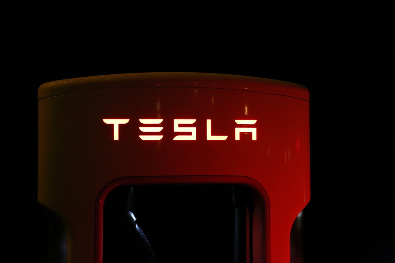 Who rides Tesla?